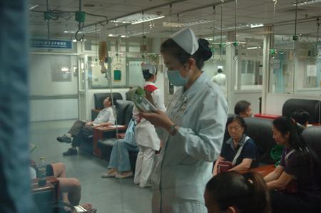 香港儿童打针场景