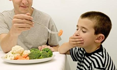1,疾病造成食欲不振,临床中的厌食症,有全身性的疾病,比如慢性胃