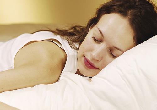 睡觉赖床图片可爱