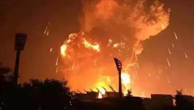 天津发生大爆炸,远离身边的爆炸
