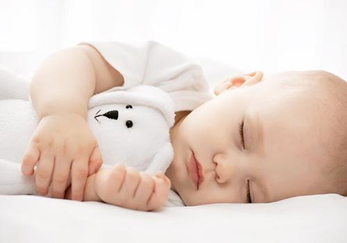 21个月宝宝睡眠时间_如何保证学龄前儿童的睡眠时间