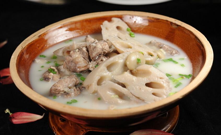 红豆莲藕牛肉汤