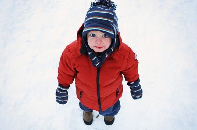 冬季宝宝户外穿衣指南